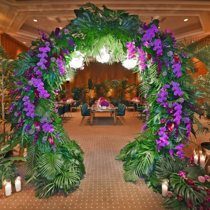 Round Metal Wire Arch with flowers