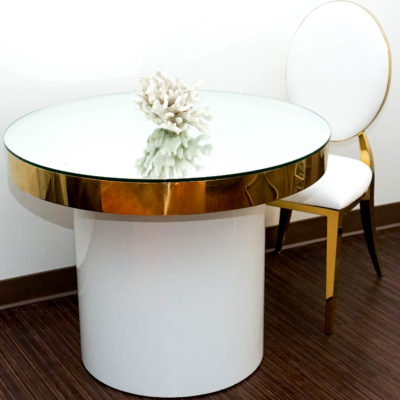 Gold sweetheart table + Gold O chair