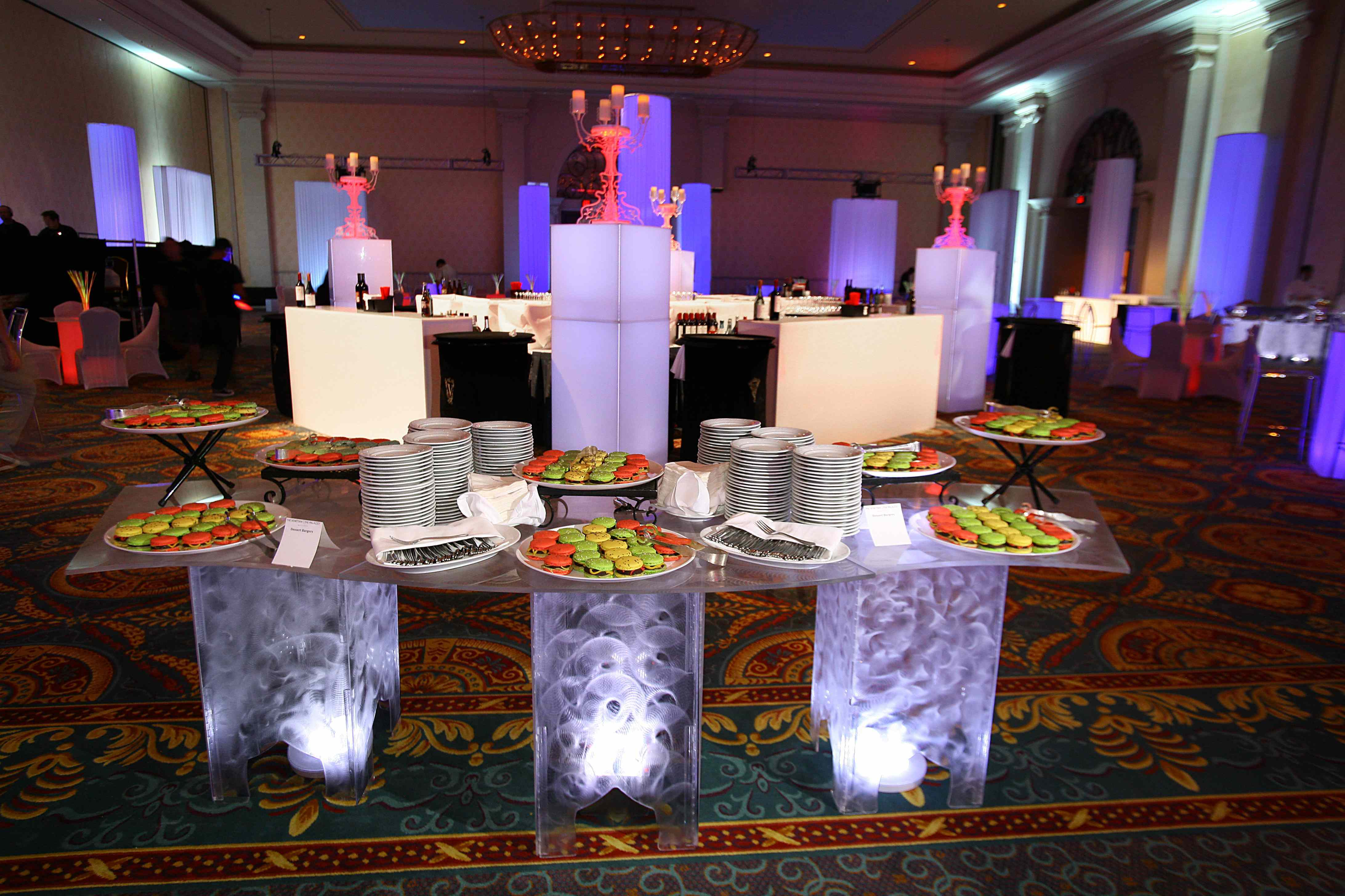 Kool Etched Serpentine Buffet Table Eventaccents